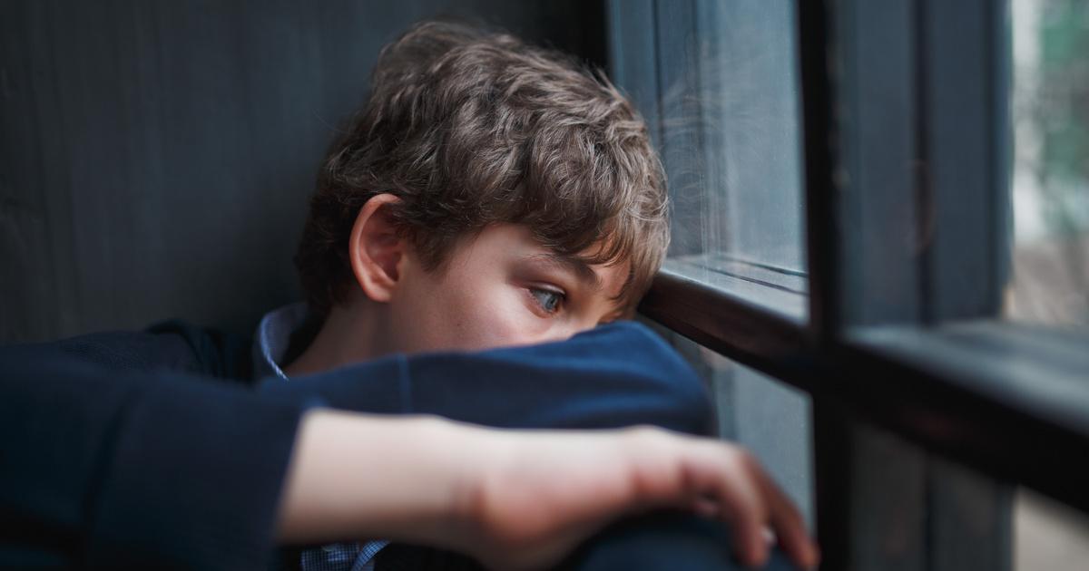 egy 8 éves fiúnak merevedése van)