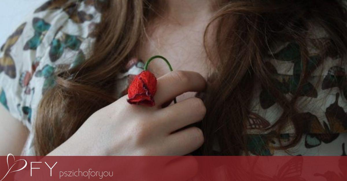 az erekció eltűnik az intimitás pillanatában)