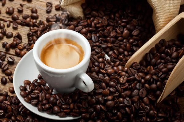 kávé hatása az erekcióra)