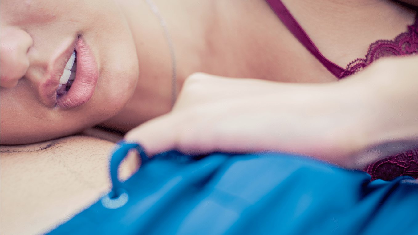Életükben először láttak merevedő péniszt: így reagáltak a lányok (18+)