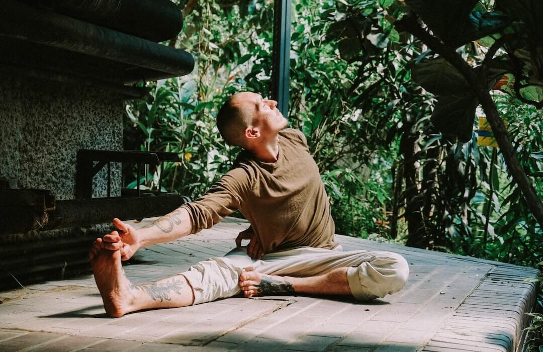 """""""Egy erekcióban nincs semmi szégyellnivaló"""" – Steiner Kristóf meztelen jógaórán járt"""