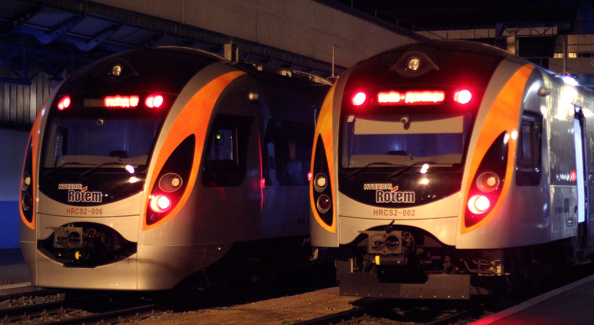 Félmillióan is utazhatnak vonattal a hosszú hétvégén, érdemes elővételben megvenni a vasúti jegyet