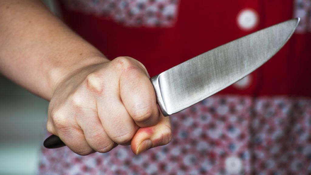 Nagybácsi bosszúja: bicskával vágta le az unokahúgát megerőszakoló 16 éves fiú péniszét - 18+
