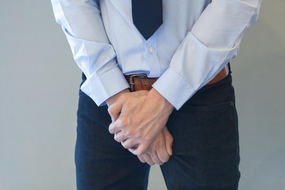 a péniszbetegség jelei erekció egy herével